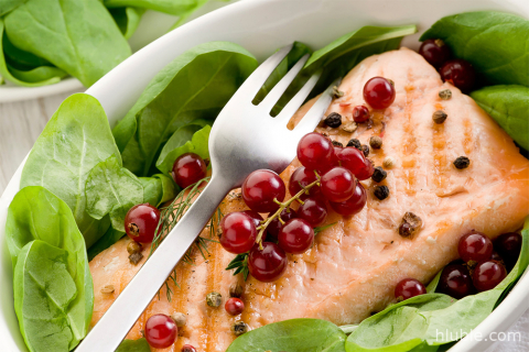 Salmon with red currants